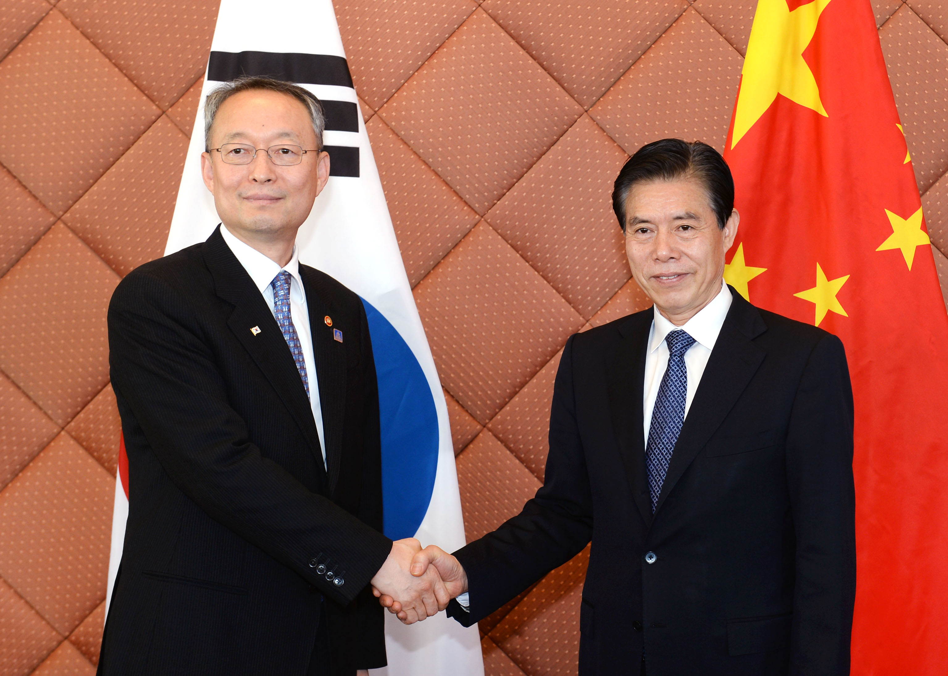 Minister Paik meets with China's Commerce Minister