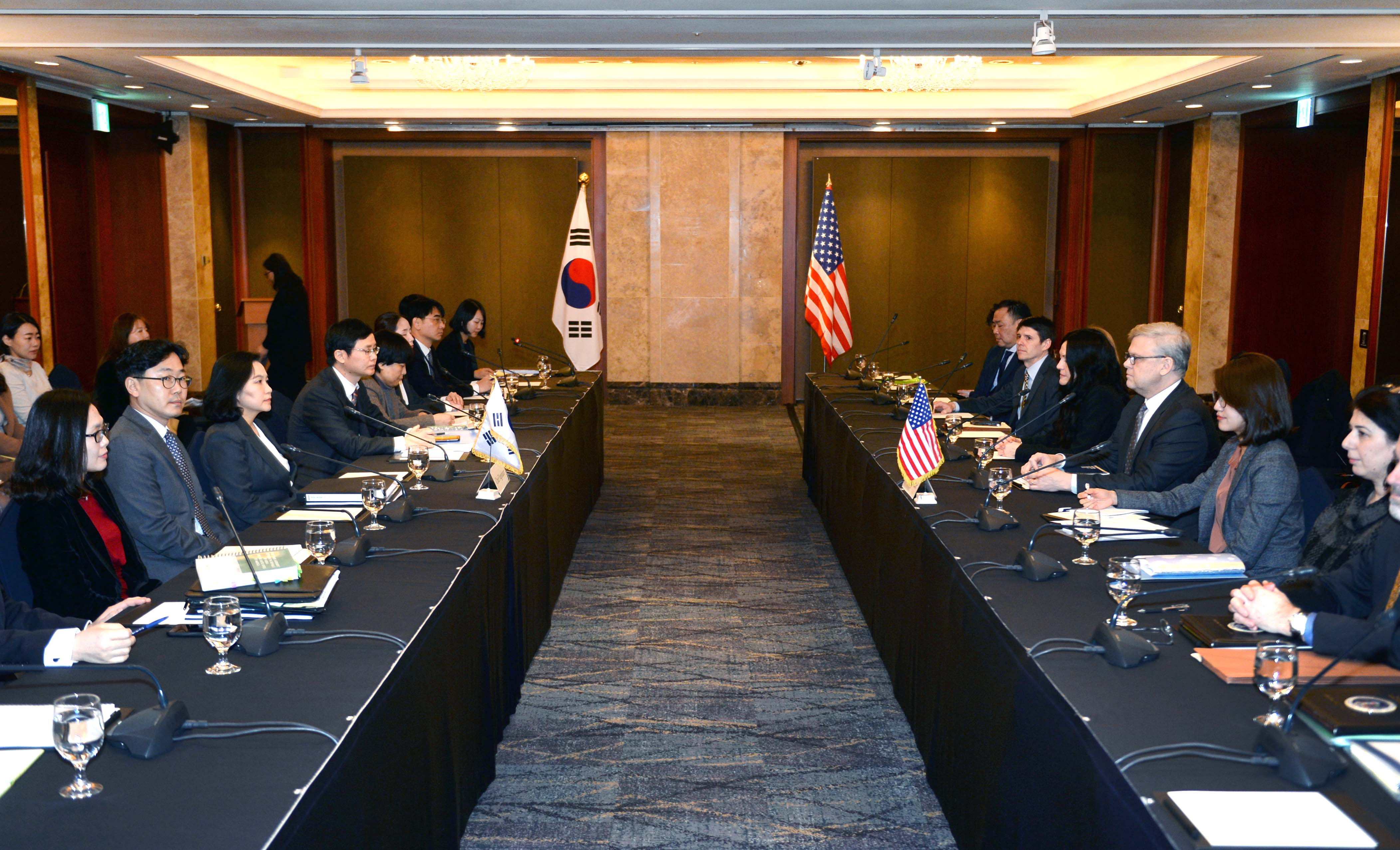 Korea, US start second round of talks to amend trade deal