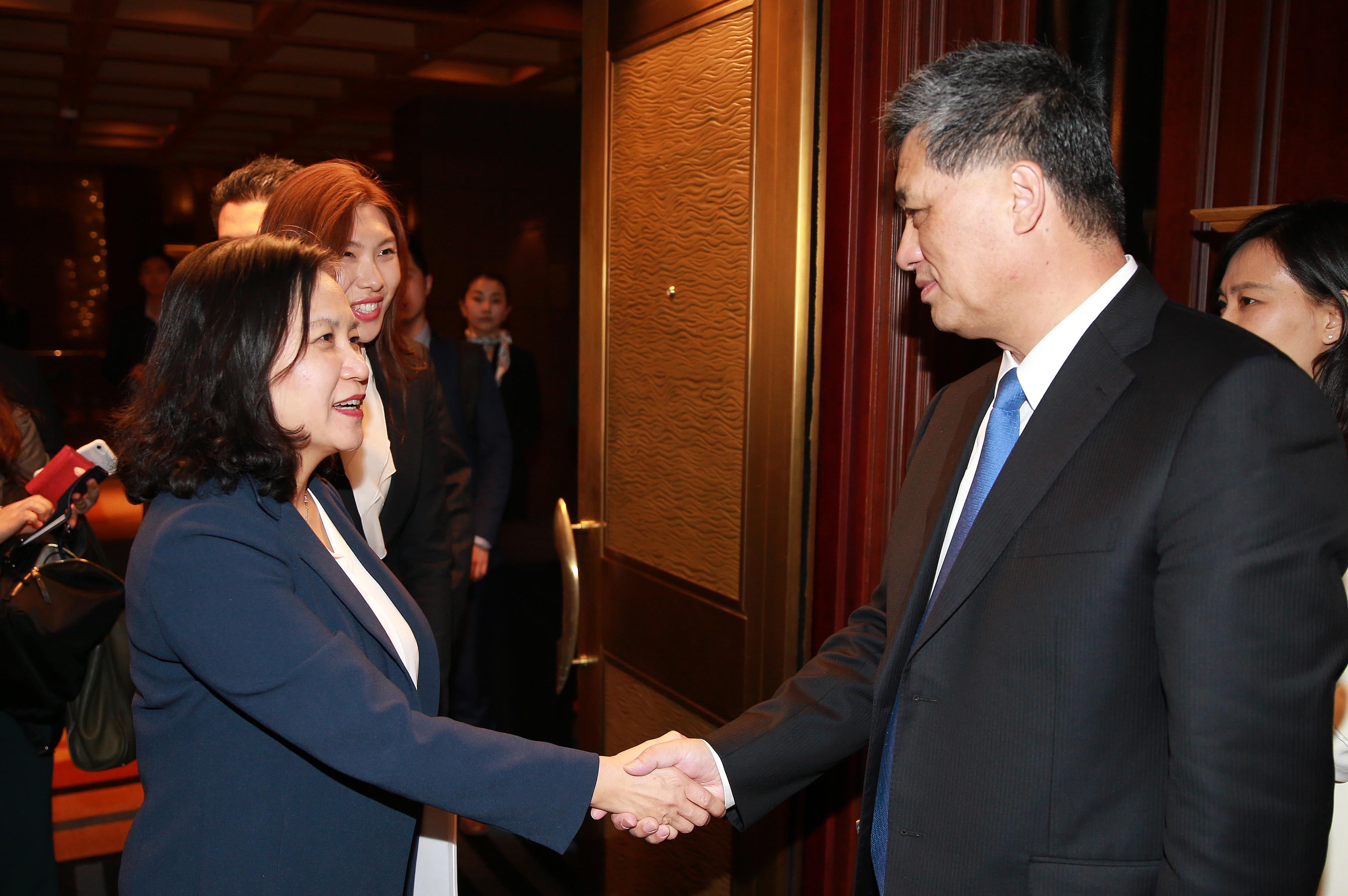 Trade Minister Yoo discusses expanding economic ties with China's Guangdong Governor  Image 0