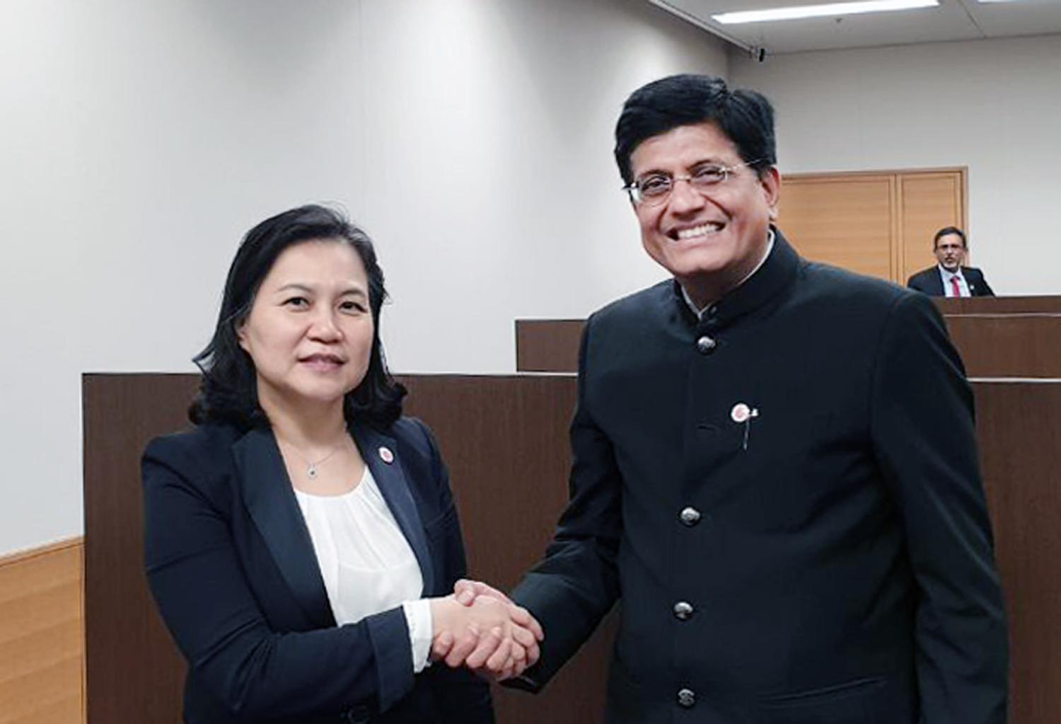 Trade Minister Yoo meets with India's Commerce Minister in Japan Image 0