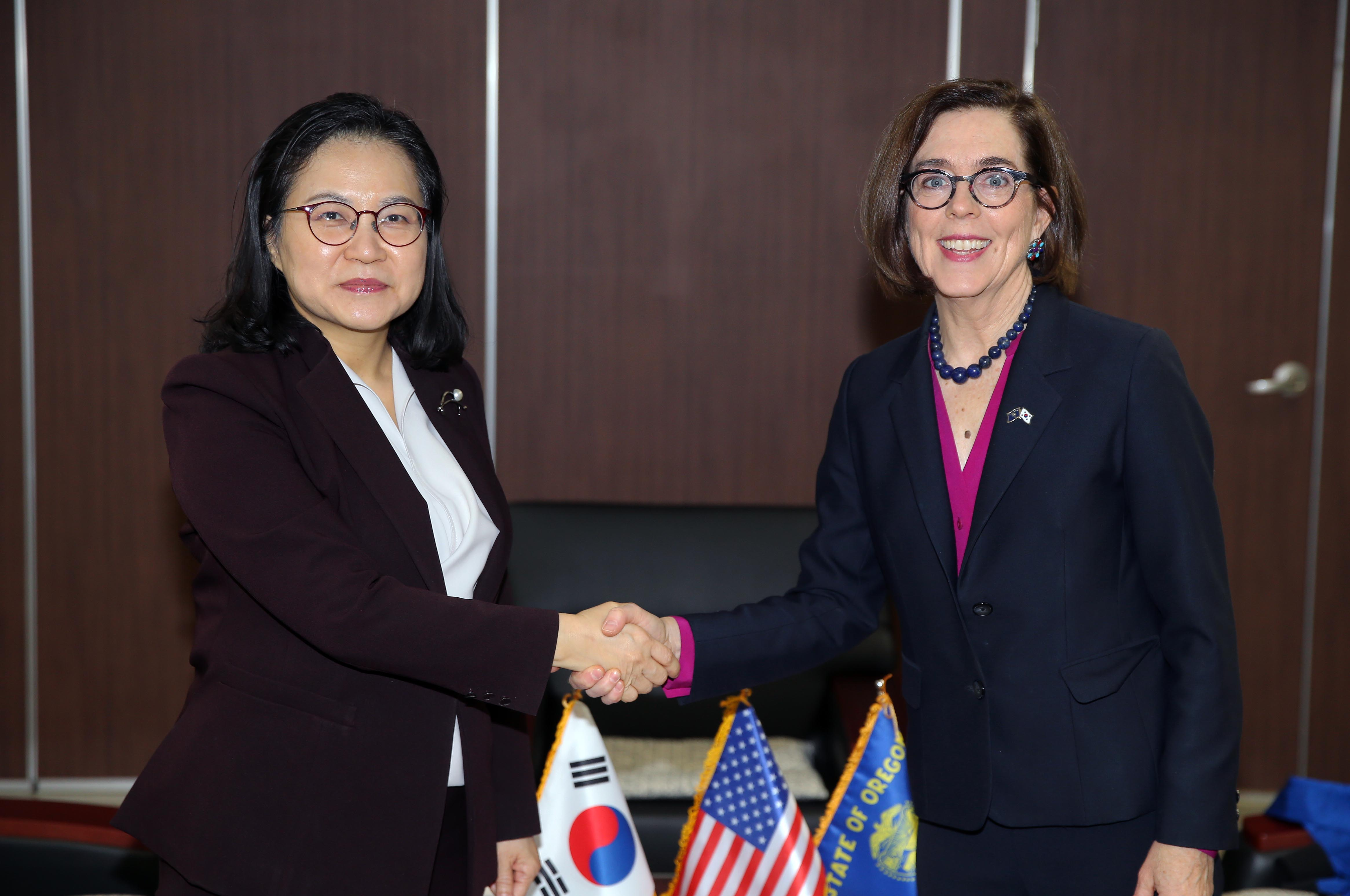 Trade Minister Yoo met with Governor of Oregon