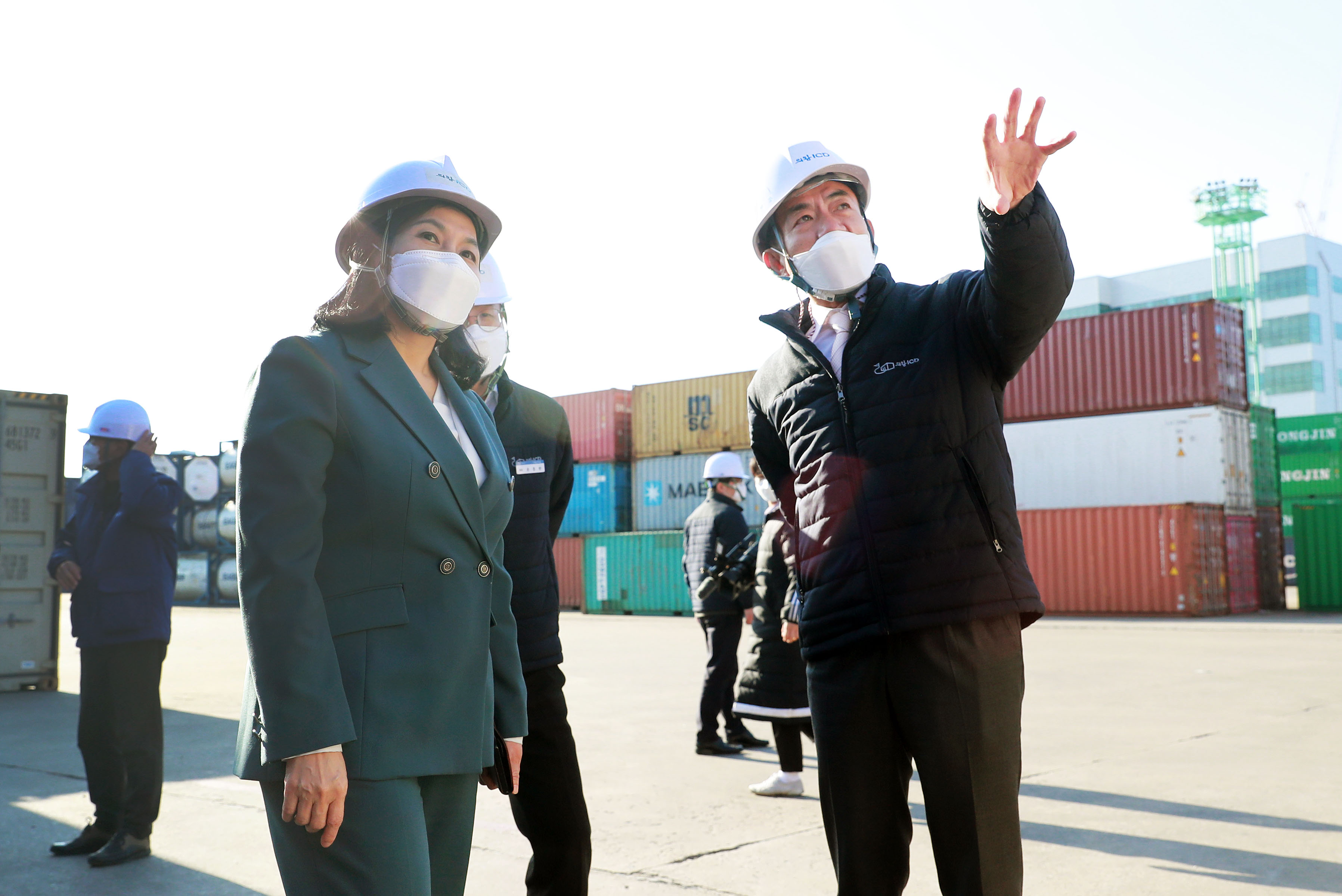 Trade Minister visits logistics site ahead of Lunar New Year holidays